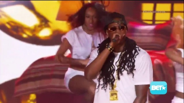 2 Chainz, Mannie Fresh & Juvenile Performing At The 2013 BET Hip Hop Awards