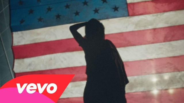 Rihanna – American Oxygen (Music Video)